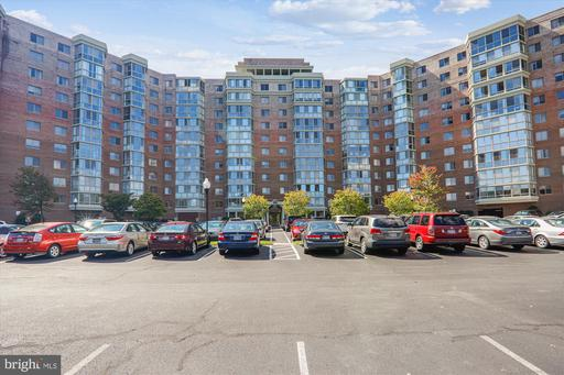 3100 N Leisure World Blvd #415, Silver Spring, MD 20906