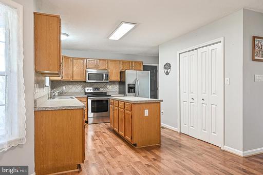 305 Pickett Ct Berryville VA 22611