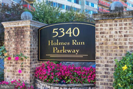 5340 Holmes Run Pkwy #417