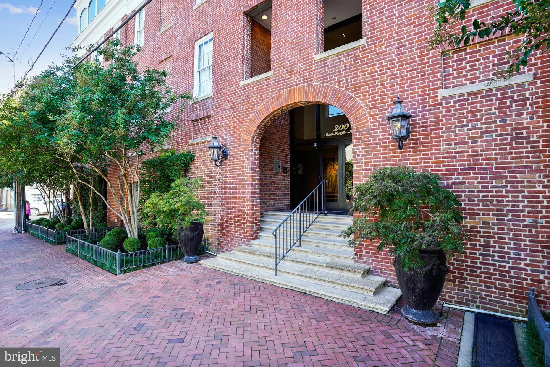200 Fairfax Street  #16 - Alexandria, Virginia 22314