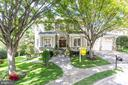 7401 Old Maple Sq