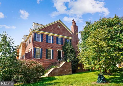 1101 Quaker Hill Ct Alexandria VA 22314