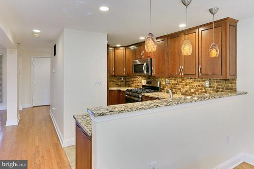 1805 N Shore Ct Reston VA 20190