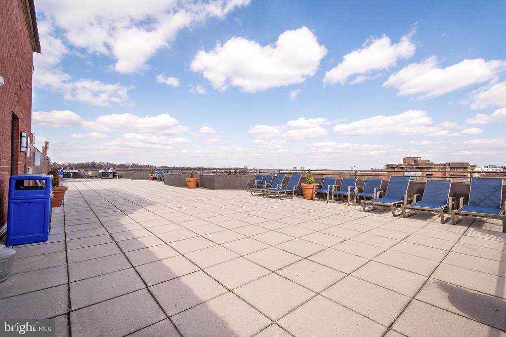 Photo of 1001 N Vermont St #214