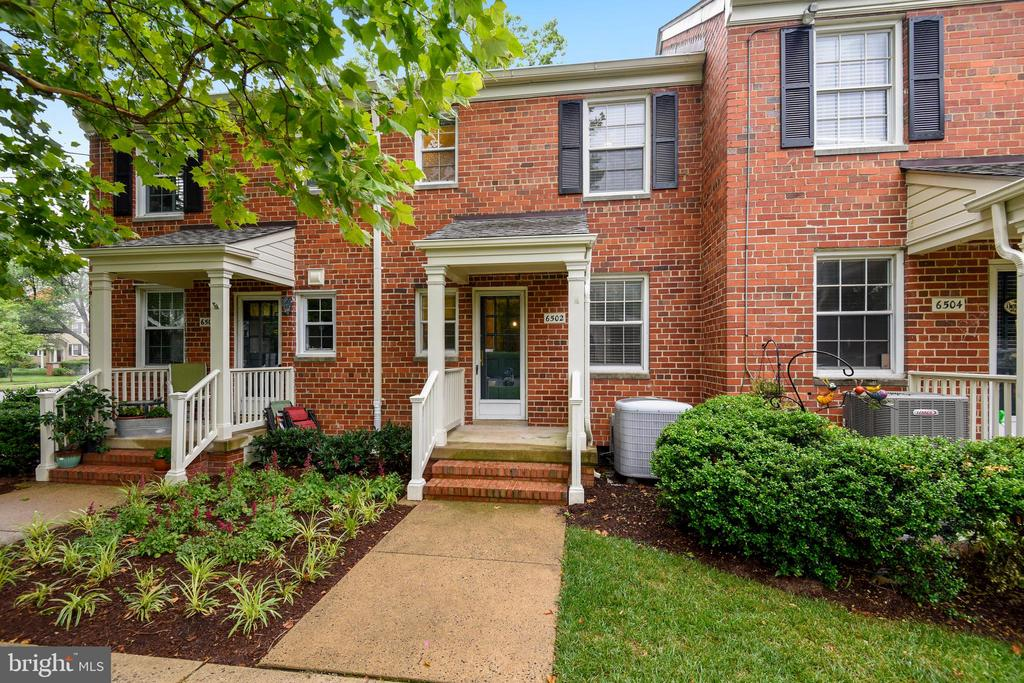 6502 10th St, Alexandria, VA 22307