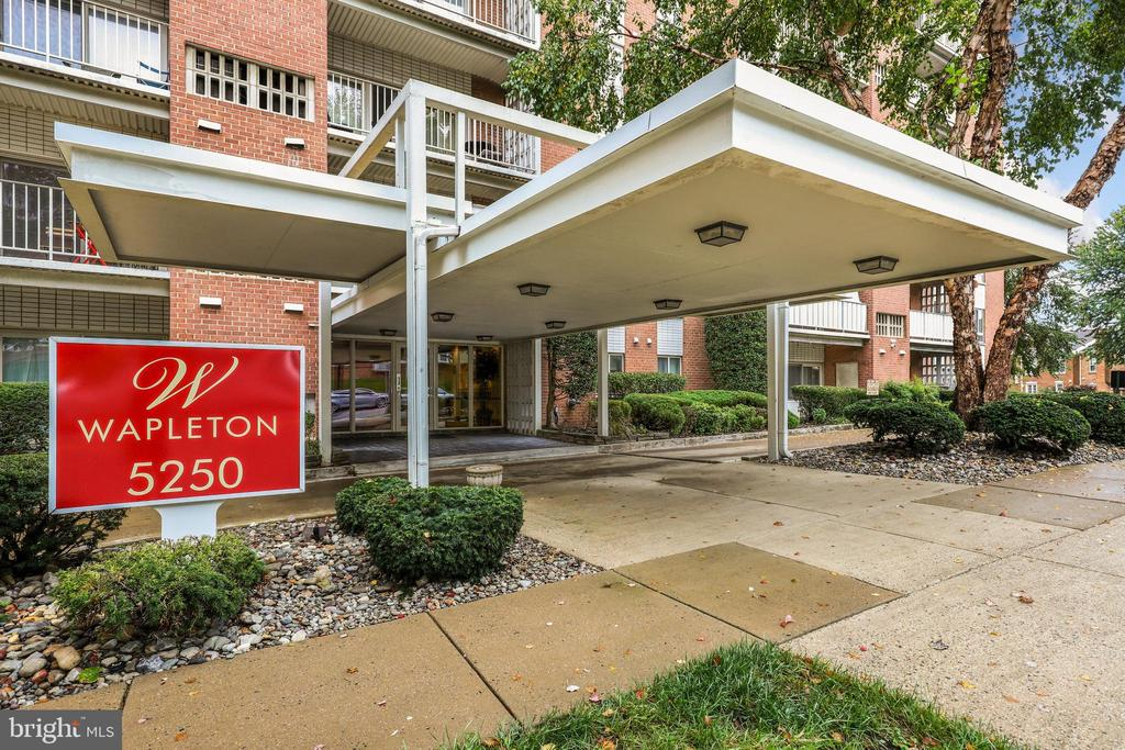 5250 Valley Forge Dr #315