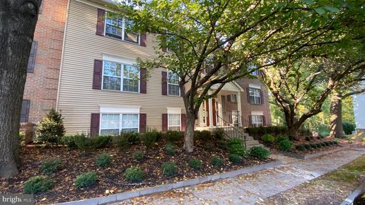3804 Green Ridge Ct #201, Fairfax, VA 22033