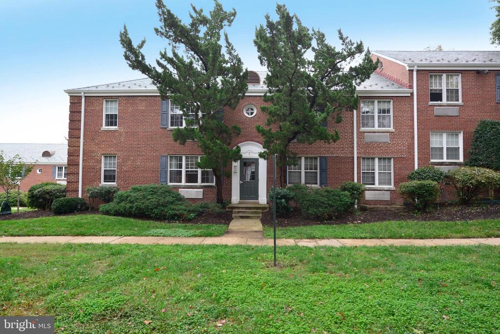 3 Auburn Ct #B, Alexandria, VA 22305