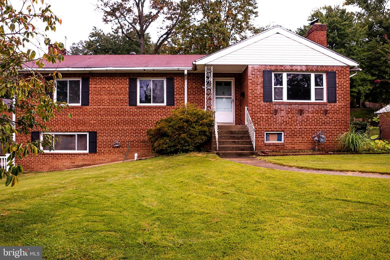3162 Patrick Henry Drive   - Falls Church, Virginia 22044