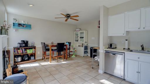 6919 Compton Ln Centreville VA 20121