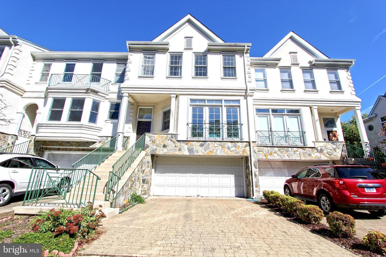 12831 Dogwood Hills Lane   - Fairfax, Virginia 22033