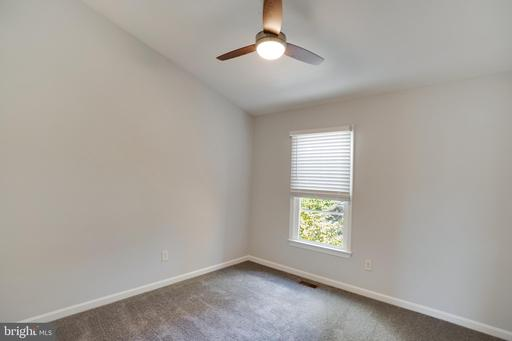 14303 Winding Woods Ct Centreville VA 20120