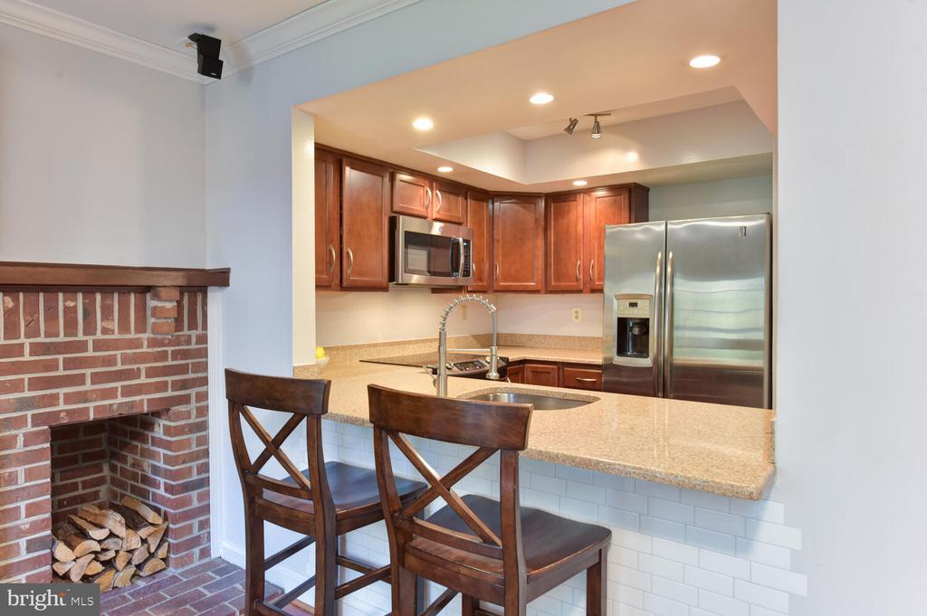 Photo of 2418 S Walter Reed Dr #3