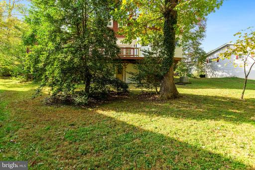 4609 Lawn Ct Fairfax VA 22032