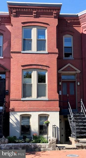 Boutique condo in LeDroit Park! The Terrace Level Unit features it's own private entrance, full windows, gas fireplace, high-end finishes, elegant hardwood, Kitchen has granite counters and backsplash, upgraded stainless steel Bosch appliances and island, 42 inch maple cabinets with lazy susan, Bath with marble floors and oversized shower with glass doors, Airphone video security system, Bosch W/D. Step into inviting private rear patio, Convenient Rear and front exterior faucets, front steps with built in lighting, Super Low condo fees. Four blocks to Shaw Metro- walk to restaurants and shopping.