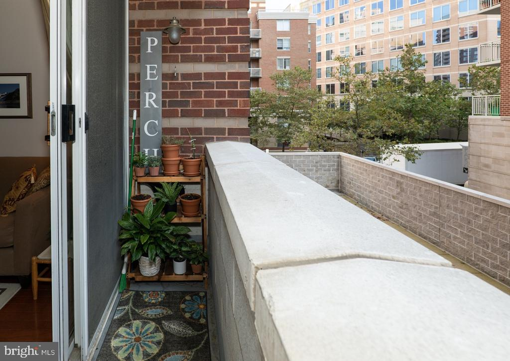 Photo of 880 N Pollard St #306