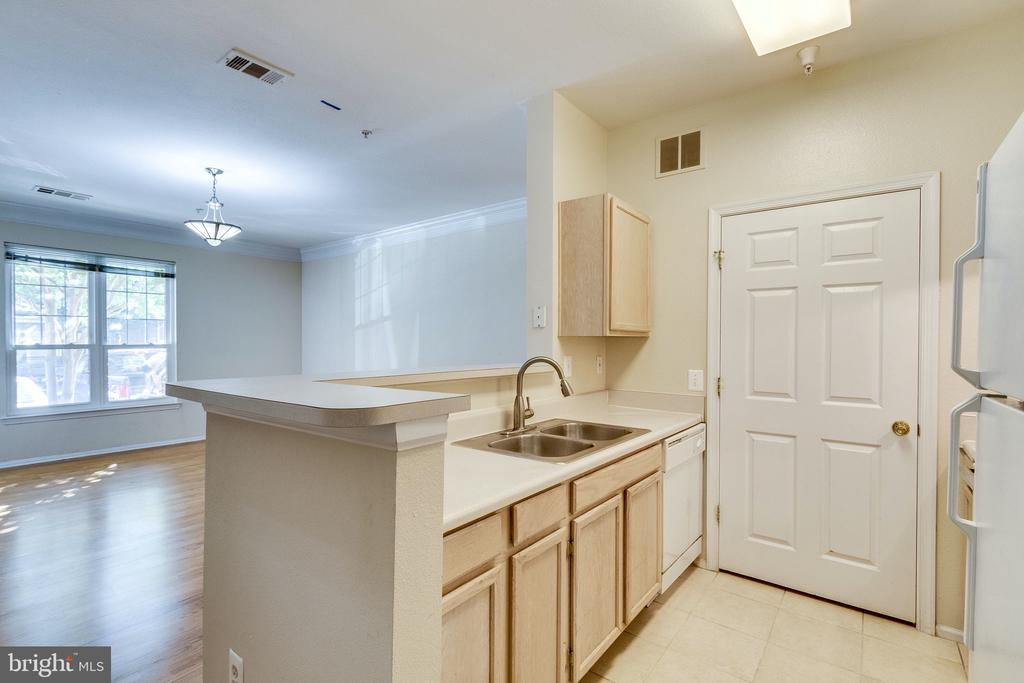 Photo of 1580 Spring Gate Dr #4101
