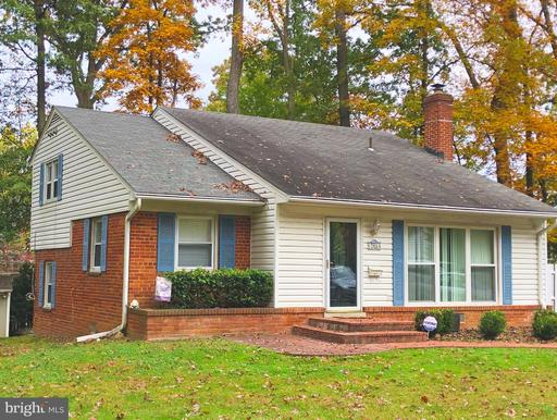 7914 Roswell Dr, Falls Church, VA 22043