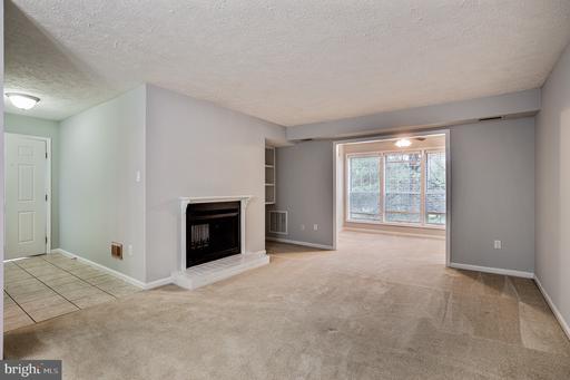 10125 Oakton Terrace Rd, Oakton, VA 22124