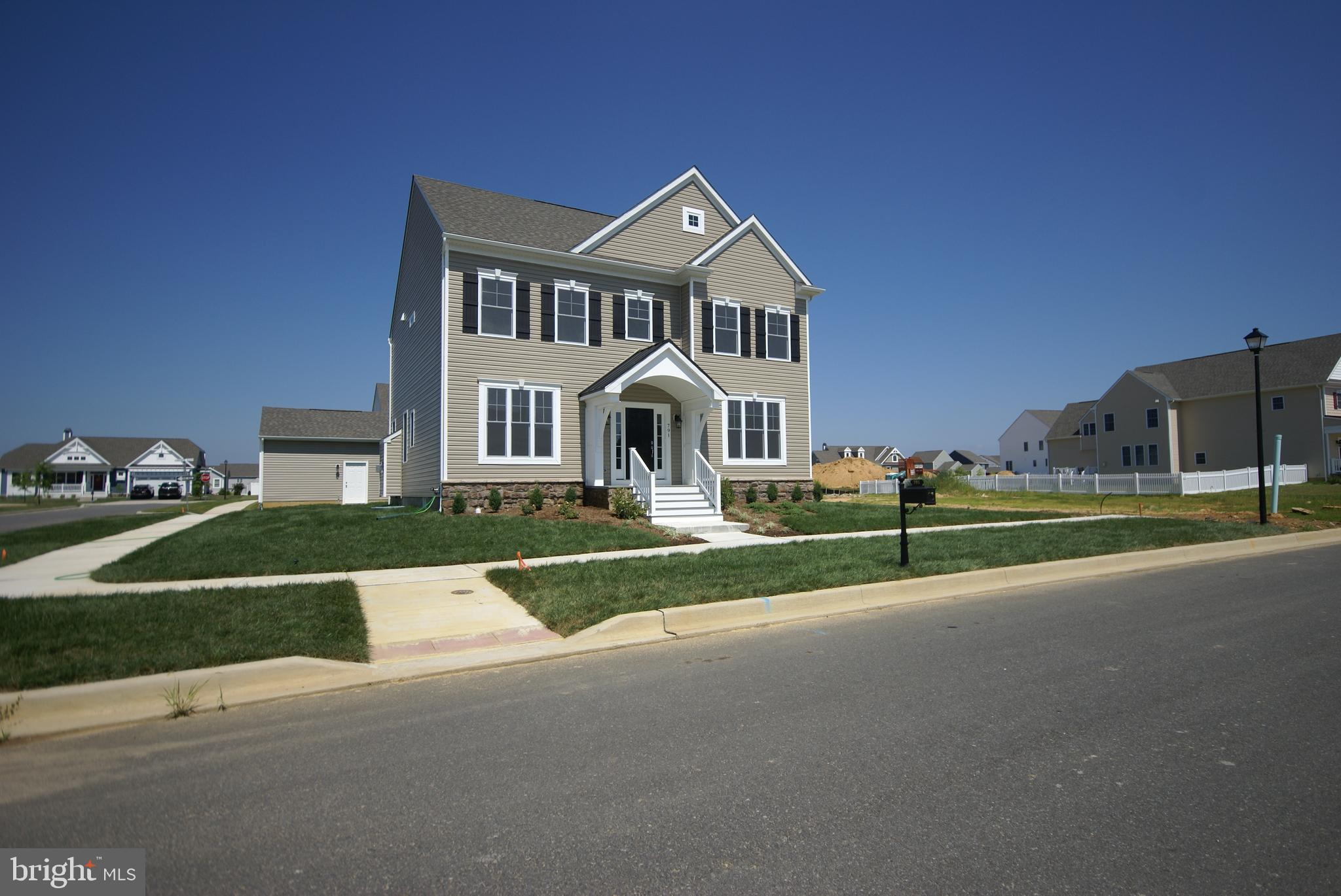 Lifestyle's Popular Newtown model.  Spacious Open Floorplan.  Gourmet Kitchen.   Appraisers--please call for details.