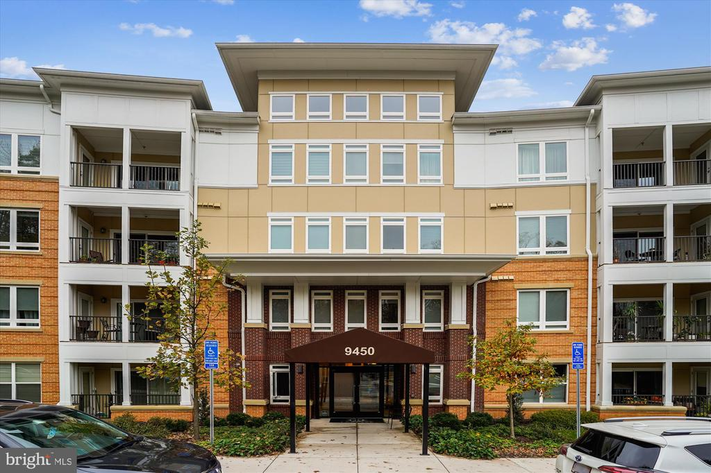 9450 Silver King Ct #108, Fairfax, VA 22031