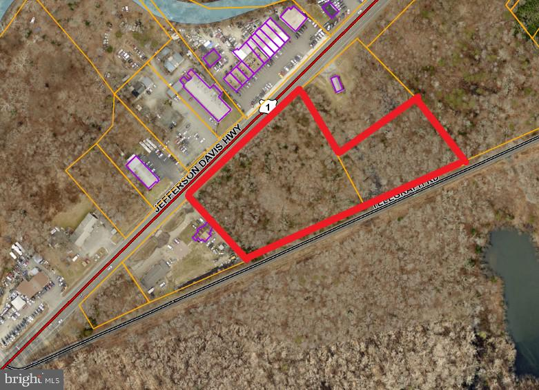 5.22 ACRES ZONED B-2 MAXIMUM COMMERCIAL.  LONG ROAD FRONTAGE ON BOTH US 1 HWY AND TELEGRAPH ROAD PROVIDING FOR EXCELLENT VISIBILITY.  GREAT LOCATION CLOSE TO QUANTICO MCB.