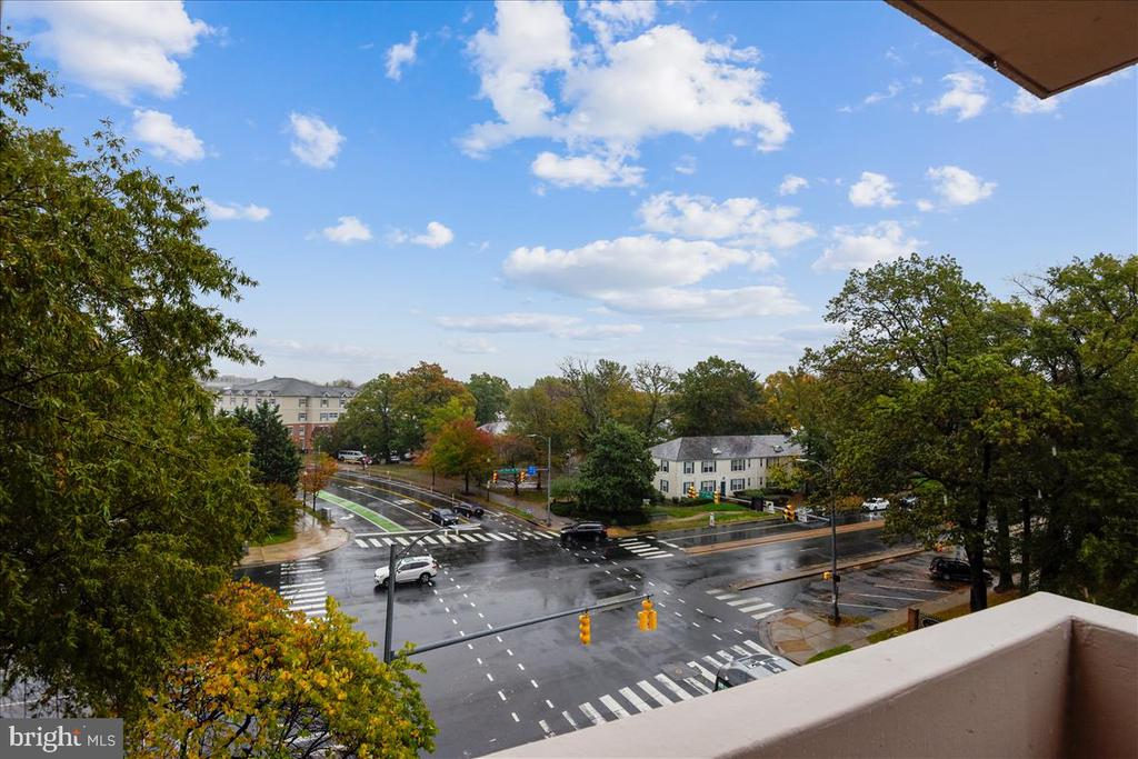 Photo of 4141 N Henderson Rd #423