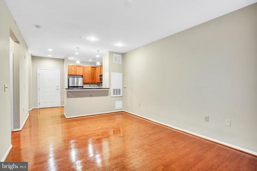 2655 Prosperity Ave #121