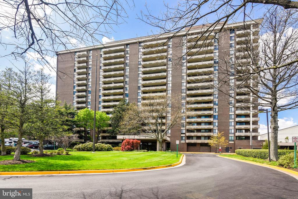 1800 Old Meadow Rd #814