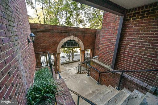 1504 Lincoln Way #104, McLean 22102