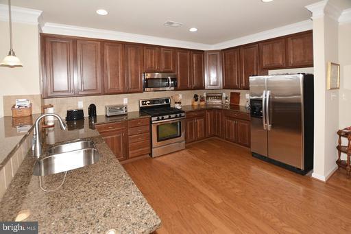 44347 Oakmont Manor Sq Ashburn VA 20147