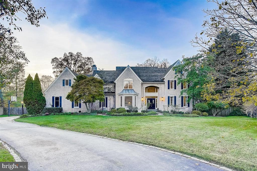 Location, lifestyle, luxury, and prestigious education. Seldomly does a property like this come on the market in the heart of Radnor. The inside of the property is magnificent, The outside can't be beaten with a pool, multilevel deck. It is in a perfect and prime location to everything on the Mainline and tucked away in a parklike setting right off Matsonford Rd. Prime location! Walk to Radnor Train Station, take the Blue Rt. I-476 or I-76 for easy access to all major conveniences. The Radnor Elementary school and the Radnor Hotel are less than 0.5 miles away. A home to entertain, work, and play. This property is truly an estate. Lovely set back with a spacious front yard, freshly coated, long and spacious driveway leading to a 3-car garage. The backyard is your own park with an incredible spacious deck, a spacious patio area with a gorgeous pool, and a separate built in-ground hot tub. There is plenty of space to play, entertain, run, set up volleyball or soccer games, all in a fenced-in backyard with the right number of trees to get sun and shade. This beautiful space is ready for many more cookouts, parties, and family gatherings. Bring your suitcases and move right in. The property is updated throughout with lovely hardwood floors. On the first floor, you will find a spacious and timeless, beautiful white kitchen with its own butler's pantry. The kitchen adjoins a 2-story family room, a sunny breakfast room, and leads into a magnificent dining room. Further, you have a lovely living room which leads into a gorgeous sunroom. In addition, you have an executive office spacious enough that you could bring clients into your home office. A lovely powder room, laundry, and mudroom, and a 3-car garage round out the first floor. On the second floor, you will find a grand owner's  suite with two walk in closets, a dressing room with a separate sink, and a gorgeous and spacious master bath with a soaking tub and separate shower. The second floor features an additional mult