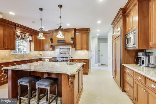 11317 Beach Mill Rd Great Falls VA 22066