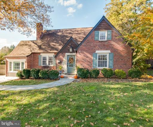 2826 Meadow Ln, Falls Church, VA 22042
