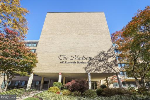 600 Roosevelt Blvd #406, Falls Church, VA 22044