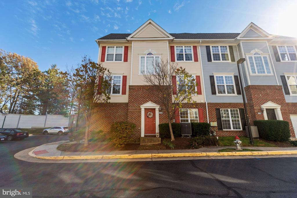8055 Nicosh Circle Ln #62, Falls Church, VA 22042