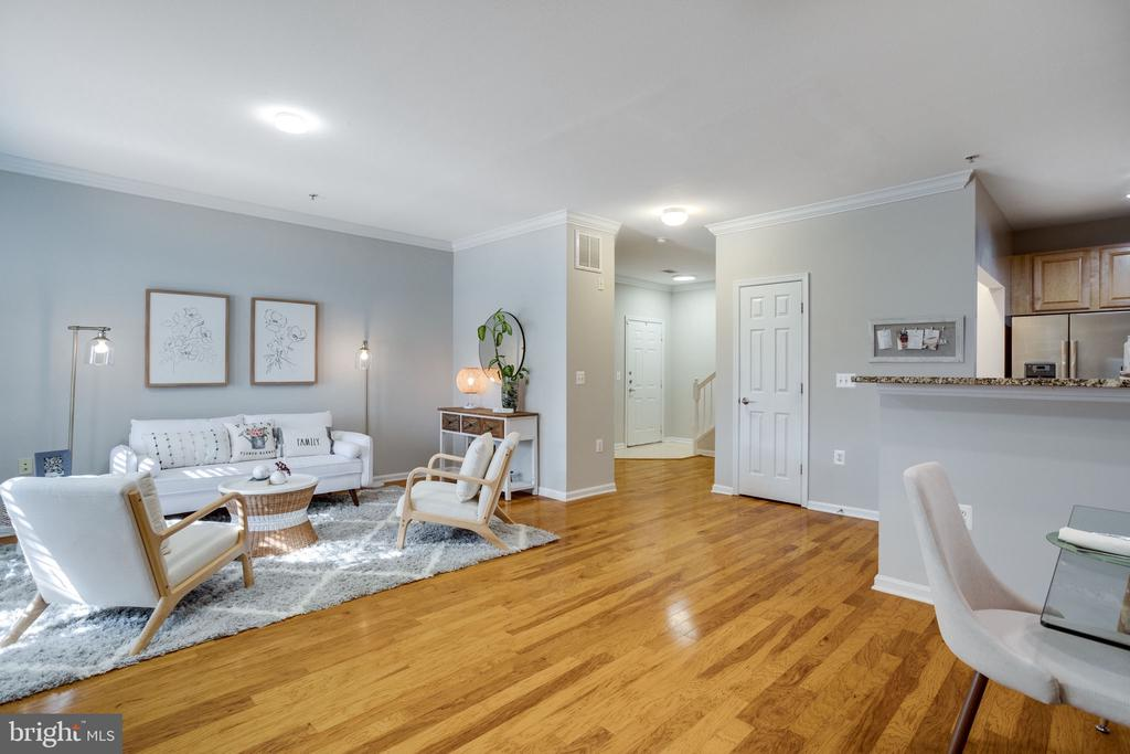 9486 Virginia Center Blvd #114, Vienna, VA 22181