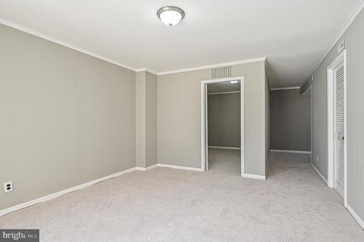 6316 Paddington Ln Centreville VA 20120