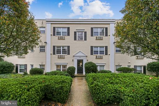 2305 Farrington Ave #303, Alexandria, VA 22303