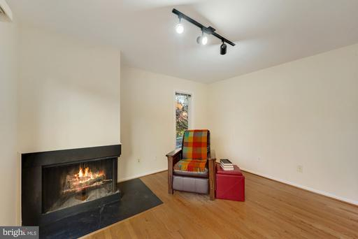 3601 Devilwood Ct, Fairfax 22030
