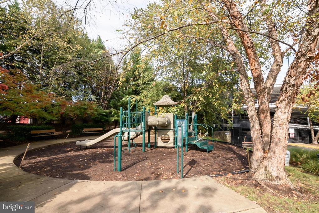 Photo of 4862 Eisenhower Ave #0159