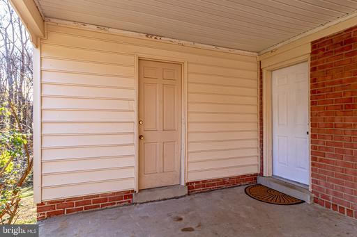 5218 Claridge Ct, Fairfax, VA 22032