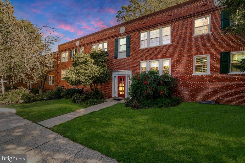 1905 N Rhodes St #39, Arlington, VA 22201