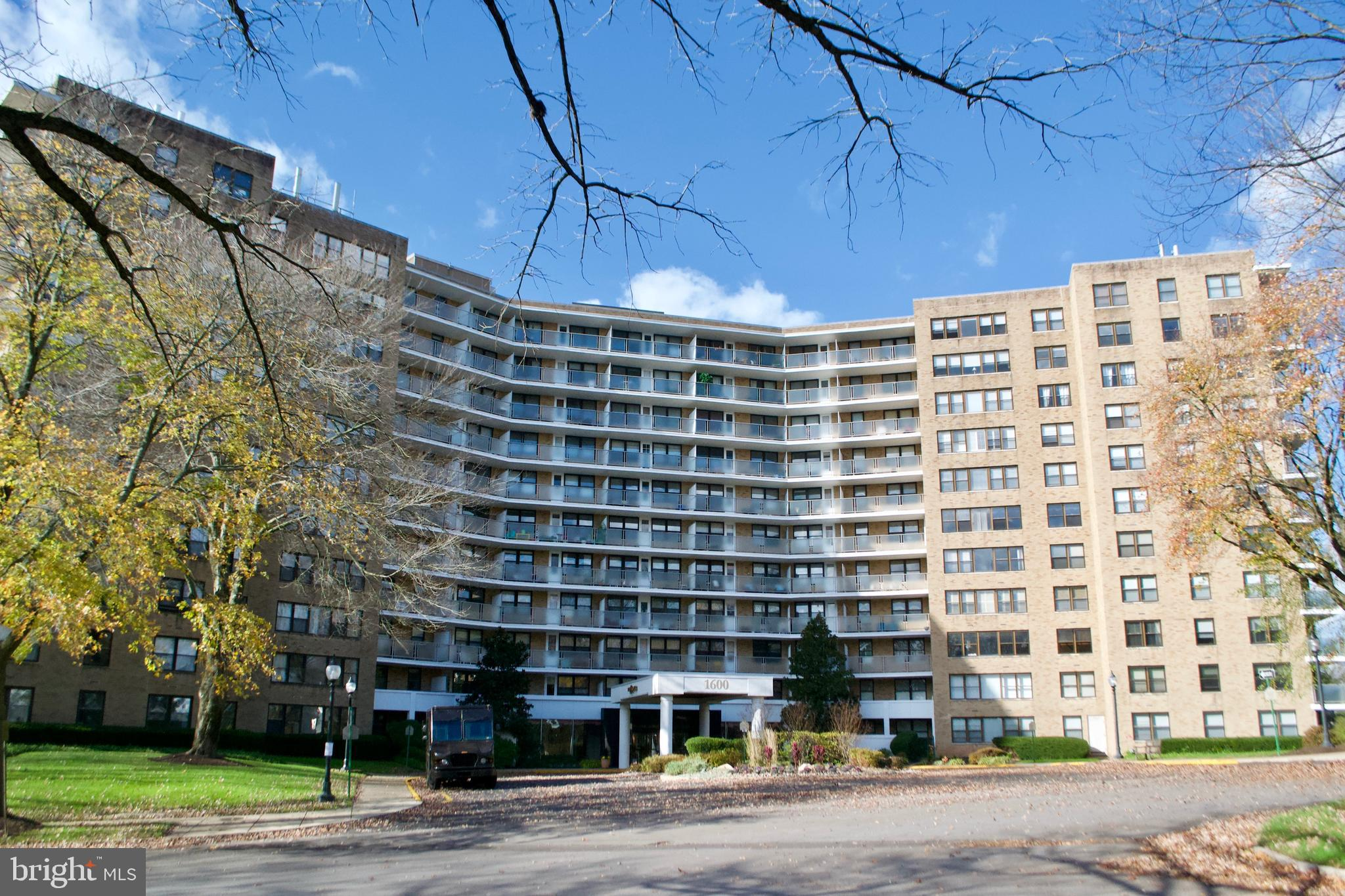 Great opportunity to own a condo at tower oak hill. The unit offers 2 bedrooms with a good size kitchen 1 bath  and a balcony with a beautiful view . There are lots of amenities gym , pool, play ground and 24hr security, The only utility you pay is electric.
