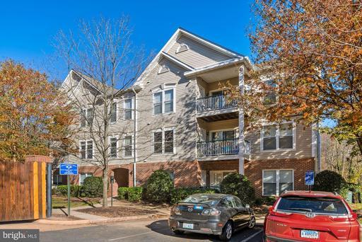 6501 Grange Ln #301, Alexandria, VA 22315