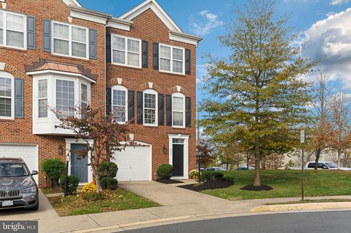8861 Cherokee Rose Way, Lorton, VA 22079