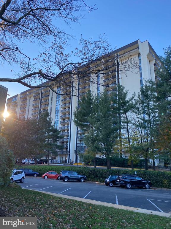 Photo of 5300 Holmes Run Pkwy #1210