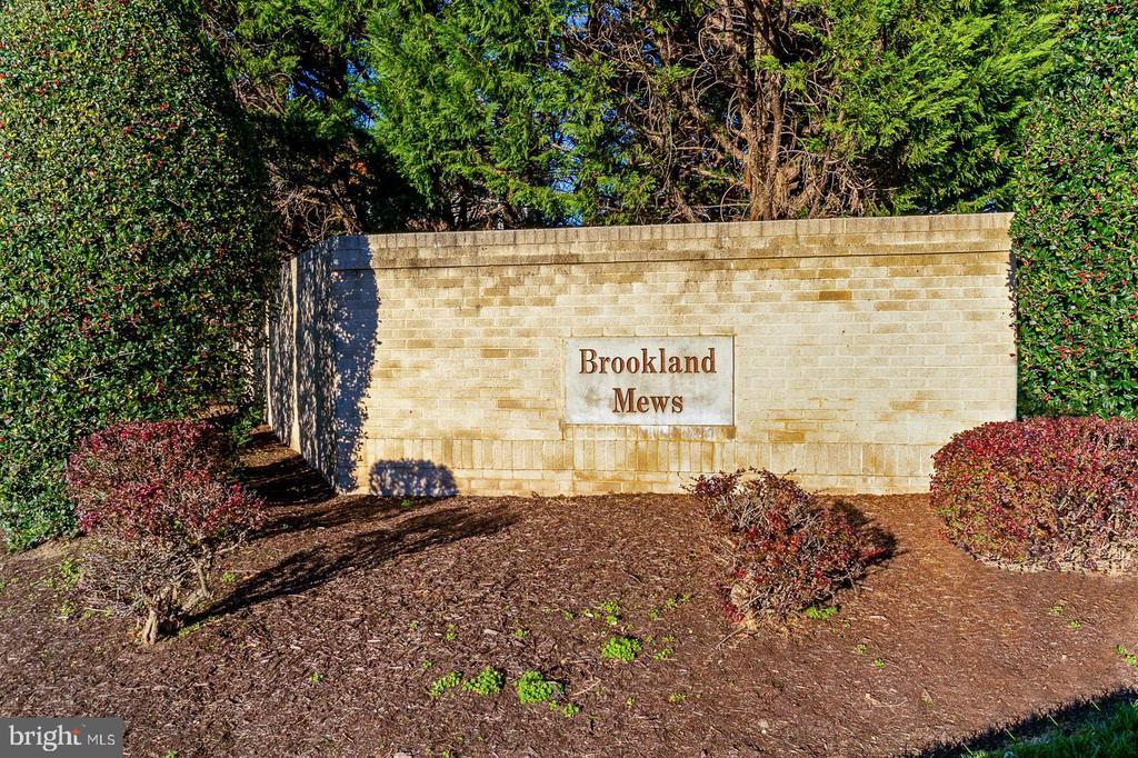 Photo of 5613 Brookland Ct