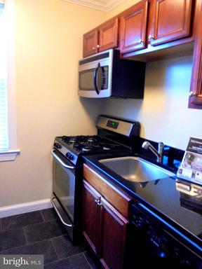 922 S Washington St #208, Alexandria, VA 22314