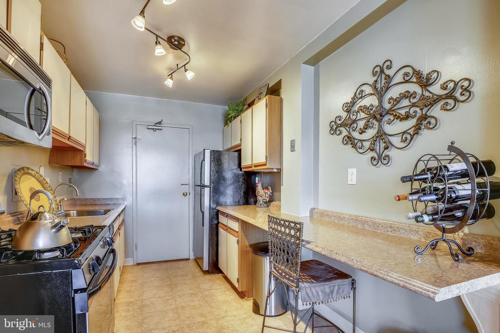 Photo of 6621 Wakefield Dr #619